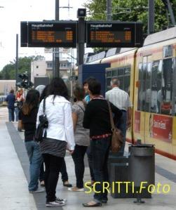 Stadtbahn: Dynamische Fahrgstinfo nur innnerhalb HN